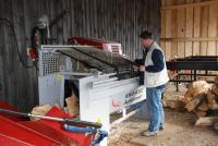 Palivové dřevo ze Šumavy - výrobní linka
